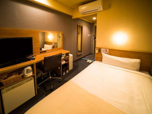 眠りを追及した140cm幅のワイドベッドと適度な硬さのマットでぐっすり
