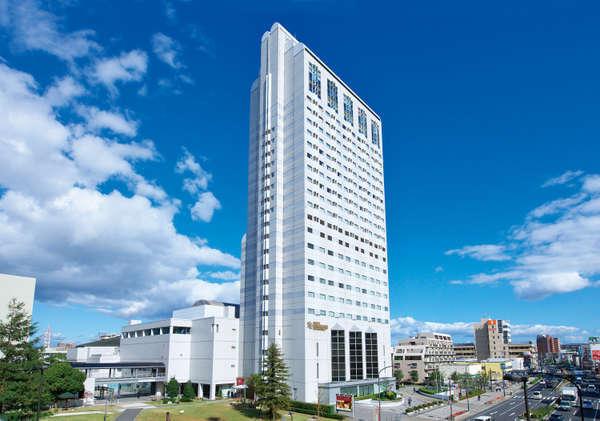 ホテル外観地上22階建阪神エリアのランドマークホテル