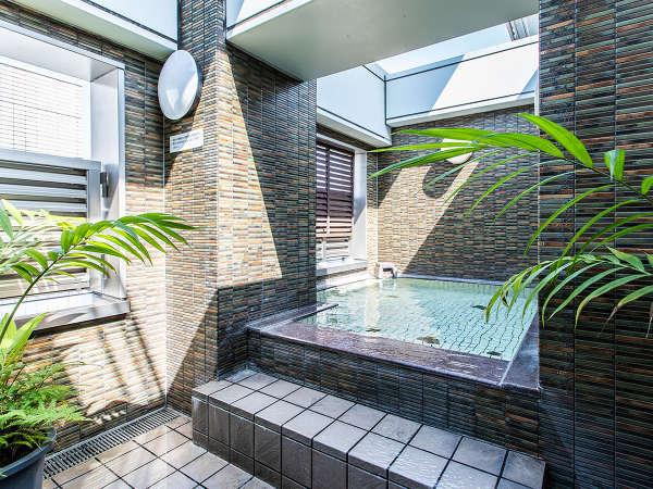 ■女性大浴場 外湯 15:00から25:00 6:00から10:00