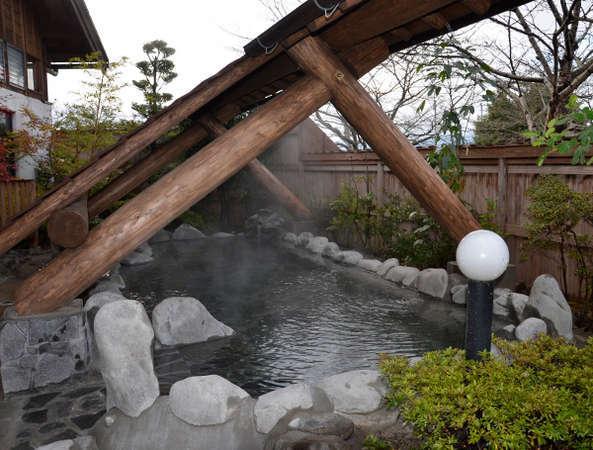 【大浴場露天風呂】外の風を感じながらゆっくりお入り下さい