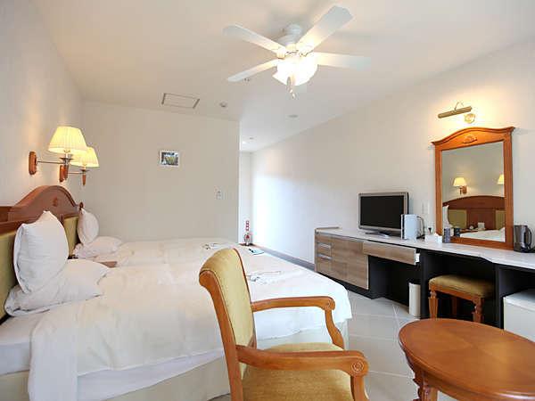[スタンダードルーム]白を基調とした明るく開放感のあるお部屋♪