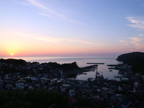 *眺望/高台から見る朝の風景は絶景です。