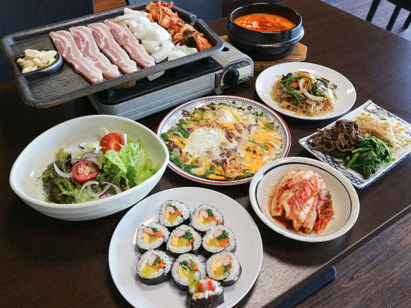 *夕食/サムギョプサルをメインに本格韓国料理