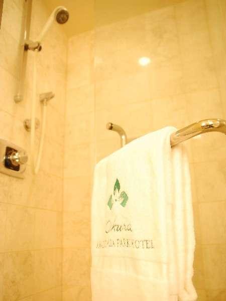 45平米デラックスツインルームは広々シャワーブース付