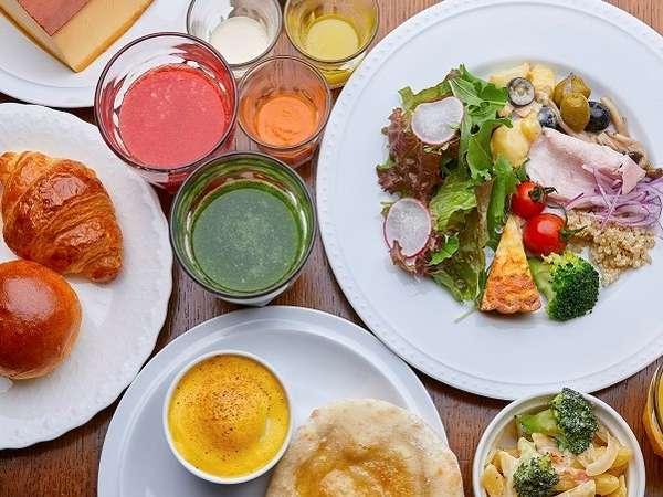 大切な日やご旅行のはじまりを演出する、オリジナルメニューのご朝食をご用意。