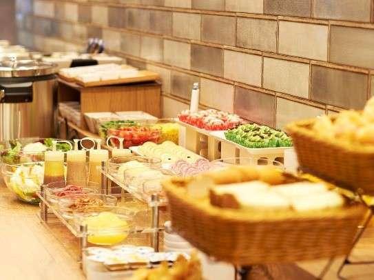 一日の活力は朝ごはんから!副菜豊富のラインナップで素敵な大阪ステイをお楽しみくださいませ☆