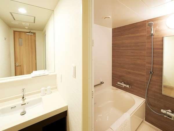 三点独立型バスルーム(デラックスツイン)