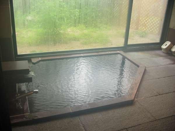24時間入浴可能な温泉です。