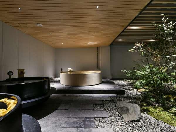 壺湯・木製風呂と多彩なお風呂をご用意〈大浴場〉