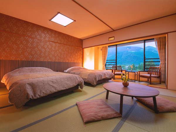 """■洋風和室・由布岳ビュー■畳の上にベッドを配置した、おしゃれな""""和モダン""""空間"""