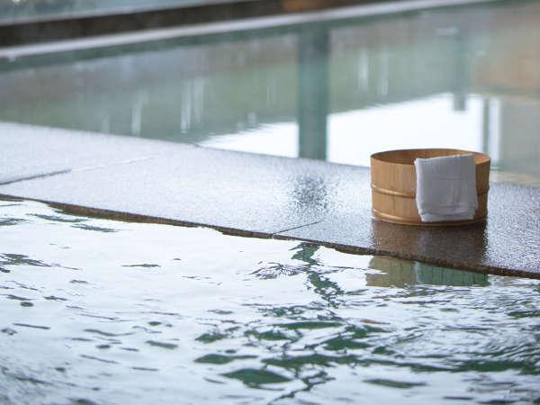 無色透明の肌優しい温泉。ゆっくりとお入りいただけます