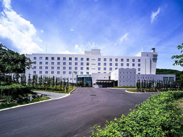 【まかど観光ホテル】清々しい青森ヒバの香りに包まれた大浴場でほっと一息!