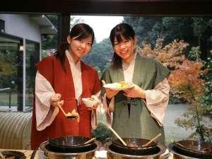 【お食事処】朝食の「九州バイキング」は大好評! 常時60種類以上ご用意しております。