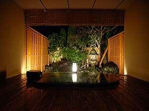 【香湯楼井川(KOUYUROU IKAWA)】香、湯、旬、光、音。 コンセプトは、「五感で楽しむゆらぎ」。