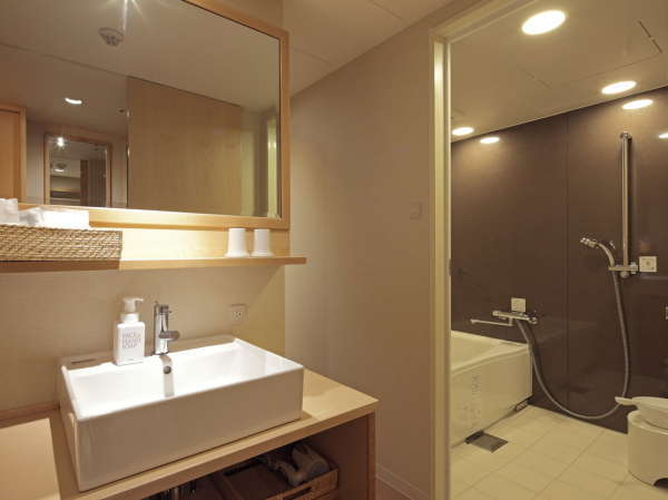 和モダンなツイン 洗面所とお風呂が広めの作り