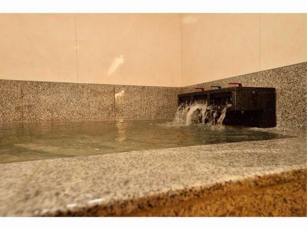 お好きな時間に温泉をお楽しみくださいませ。