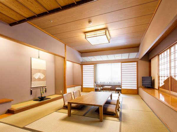 【本館特別室】(12畳+ツインベッド/78㎡)和モダンなインテリアの12畳の和室。