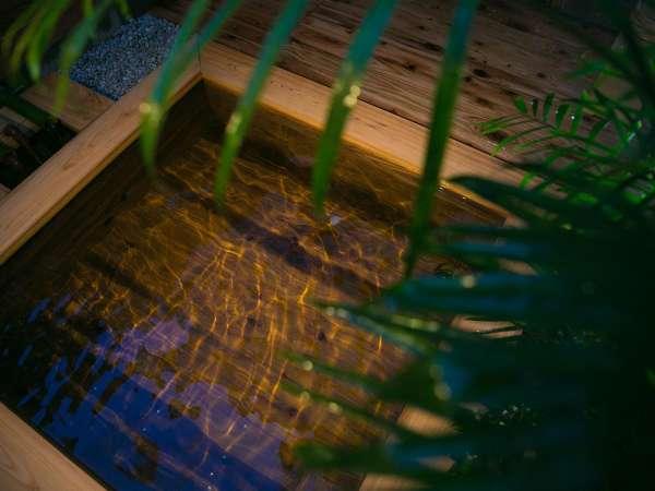 【ヒノキ風呂】湯布院の湯を貸切で満喫