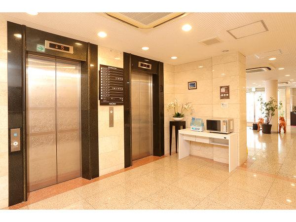 1Fエレベーターホール