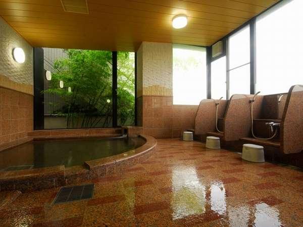 大浴場の光明石温泉。こじんまりとしていますが、とても温まります。広くはありません。