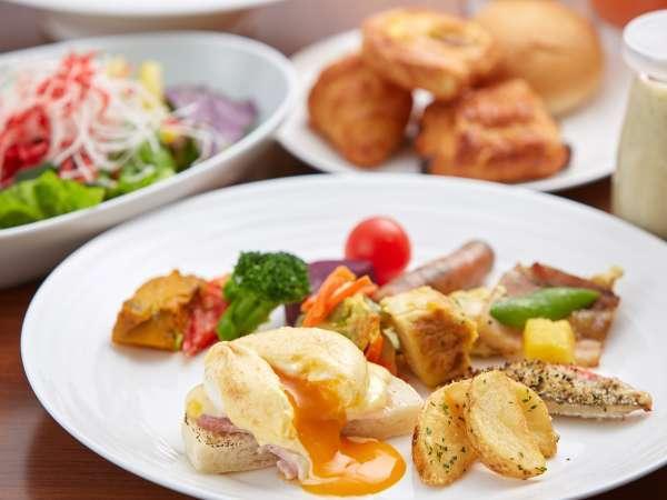 やんばるビストロ ルアナの朝食ビュッフェ盛り付けイメージ