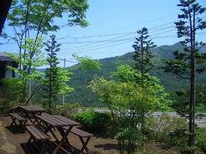 山並みを望む陽だまりの家専用バーベキュースペース