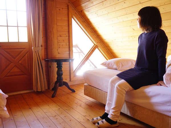 ◆窓から差し込む朝日を浴びて