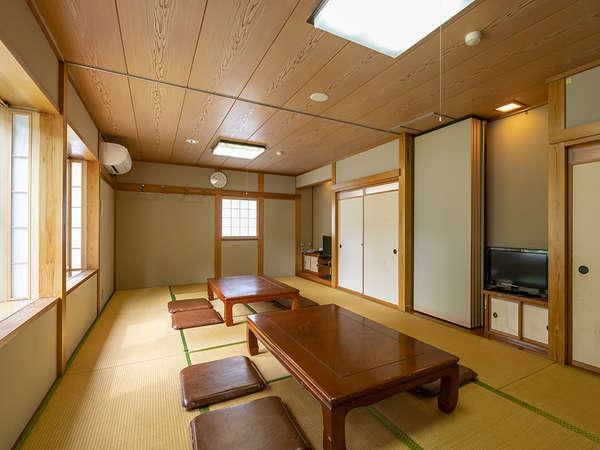 全室wifi完備のお部屋は、畳または和室カーペットタイプ。のんびりとお寛ぎください。