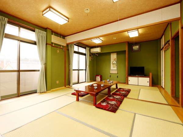 昔ながらの島民宿の寛ぎの和室☆1室4名まで泊まれます♪