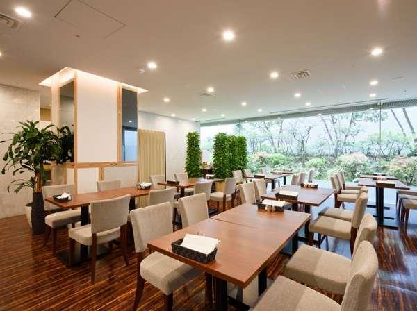 1階 コーヒーショップ「ジラソーレ」