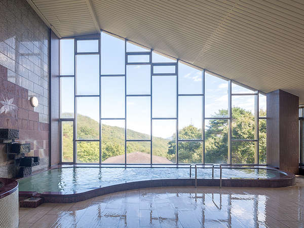 【リニューアル】男湯大浴場 洗い場が増設されました。床もリニューアル!人工セラミック温泉になります。