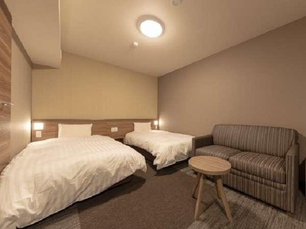 ■ハイダーツインルーム■全室禁煙■シモンズ社製ベッド■広さ約22.5平米 ■全室Wi-Fi利用可能