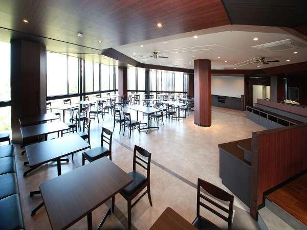 オーシャンビューのレストランで朝日を浴びながら軽食をお楽しみ頂けます。☆