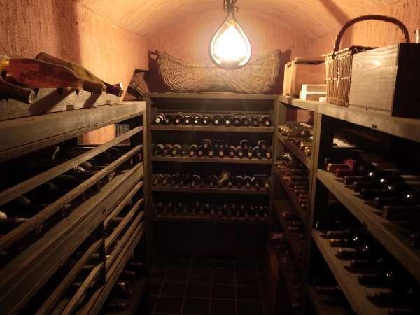 本館地下のワインセラー