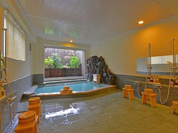 清潔感溢れる大浴場