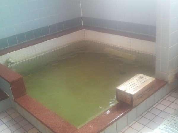 トルマリンの木箱が入った電気風呂