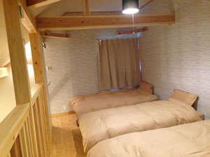 コテージ:2Fのベッドルーム(4名分)