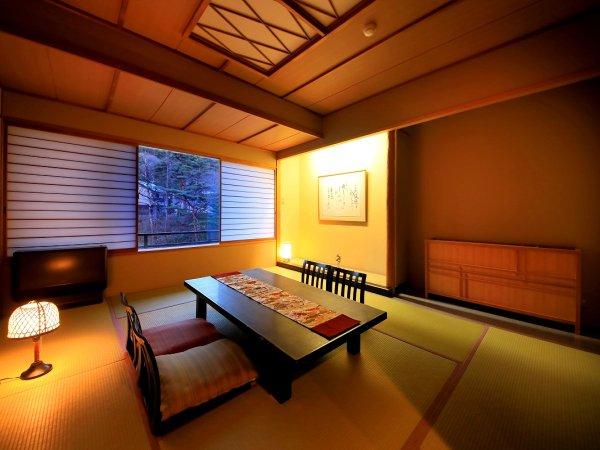 【温泉展望風呂付客室】夜はゆったり和室でのんびり過ごすのもお勧め
