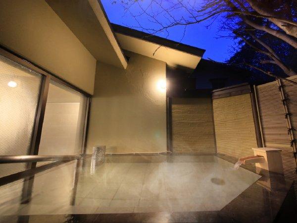 【男性大浴場】優雅に風を感じて愉しむ露天風呂