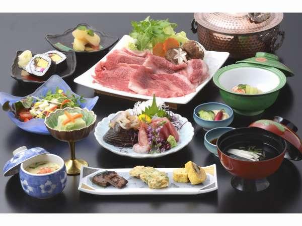別邸の選べる夕食の一つ。仙台牛はすき焼き会席。または、しゃぶしゃぶ会席。