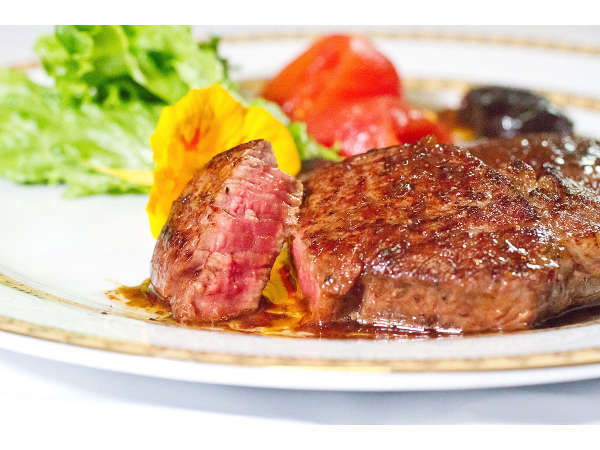 【料理一例】米沢牛のステーキ