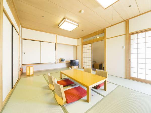 〈特別和室〉12畳の広さで、最大6名様までご利用できます。家族旅行や女子旅に最適☆