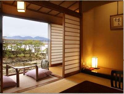 小野子山、子持山など伊香保の高台より眺める眺望抜群の最上階客室