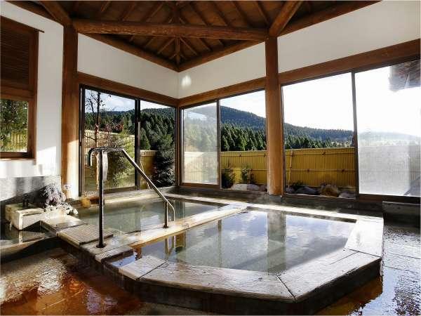 大浴場・昼 内湯から外景①