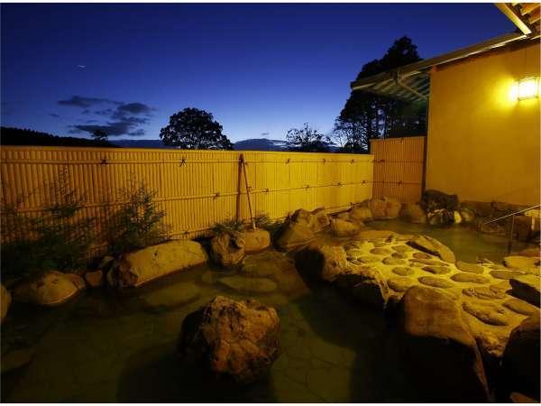 夜の大浴場・露天風呂