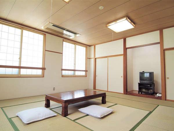 *和室一例/6畳~20畳のお任せタイプ。明るい日差しの入る空間でごゆっくりお寛ぎ下さい。