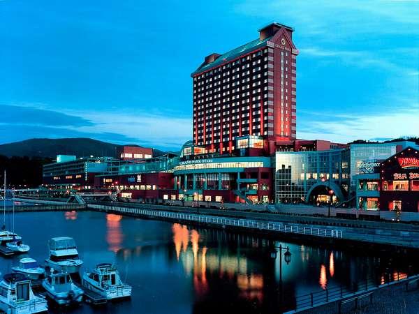 リゾート感と高級感溢れるシーサイドリゾートホテル。