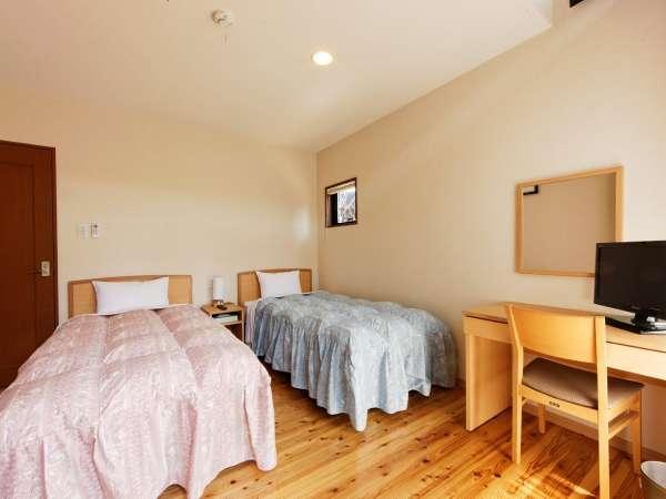 C棟(ツイン4室)の寝室