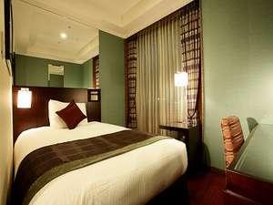 【スーペリアシングル】15平米ベッド幅140cm 大きなベッドは深い眠りへと導いてくれます
