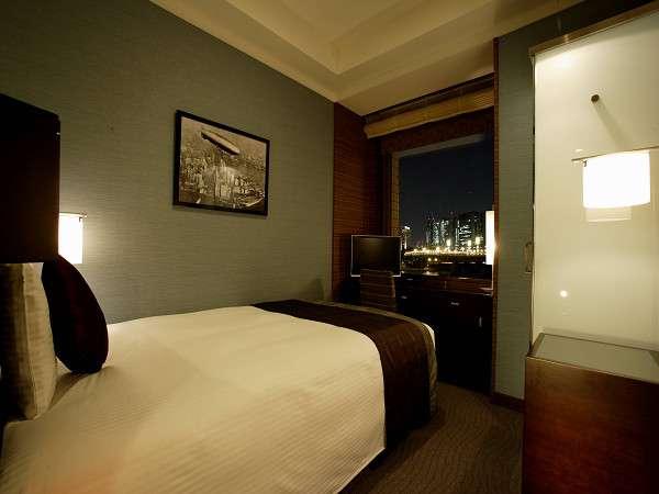 【スタンダードシングル・夜】14平米ベッド幅130cm シンプルで機能的なデザインはビジネスにも最適